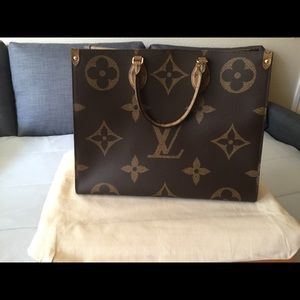 🌟SOLD! Louis Vuitton Onthego
